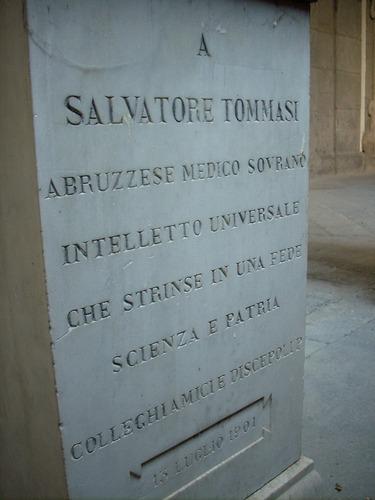 Salvatore%20Tommasi%20monument%2C%20Universit%C3%A0%20Federico%20II%2C%20Naples%20-%2008.JPG
