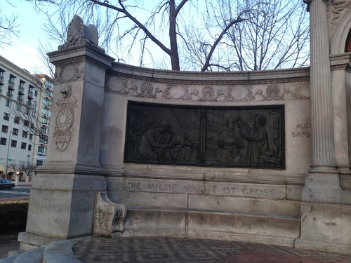 Samuel%20Hahnemann%27s%20monument%2C%20Washington%20%28by%20Concetta%20Tatali%29%20-%203.JPG