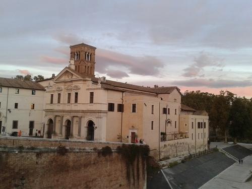 San%20Bartolomeo%20all%27isola_Basilica_2.jpg