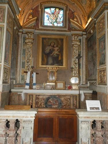 San%20Bartolomeo%20all%27isola_Basilica_23.JPG