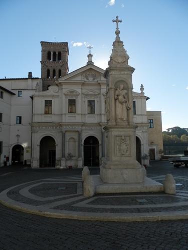 San%20Bartolomeo%20all%27isola_Basilica_8.JPG