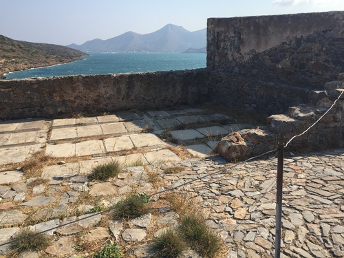 Spinalonga%20leper%20colony%2C%20Crete%20%28by%20Melania%20Stubos%29%20-%2015.JPG