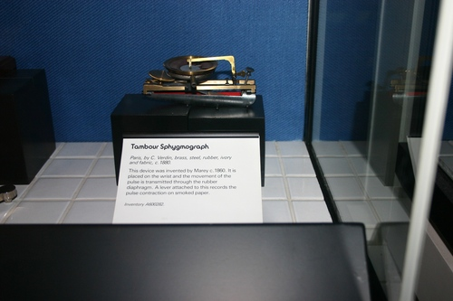 Tambour%20Sphygmograph%2C%20Science%20Museum%2C%20London%20-%2001.JPG