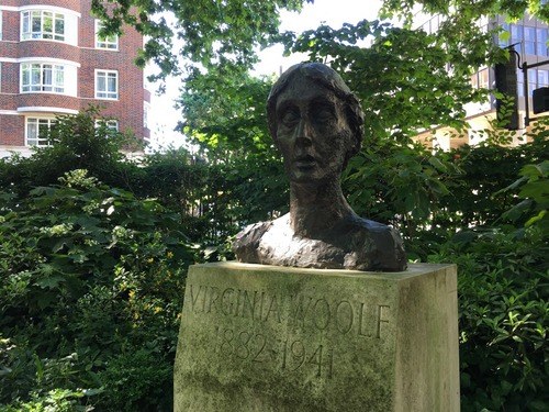 Virginia%20Woolf%20Statue%2C%20London.jp2