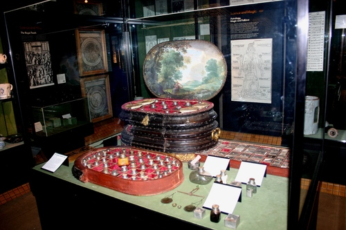 The%20Giustiniani%20Medicine%20Chest%2C%20Science%20Museum%2C%20London%20-%2001.JPG