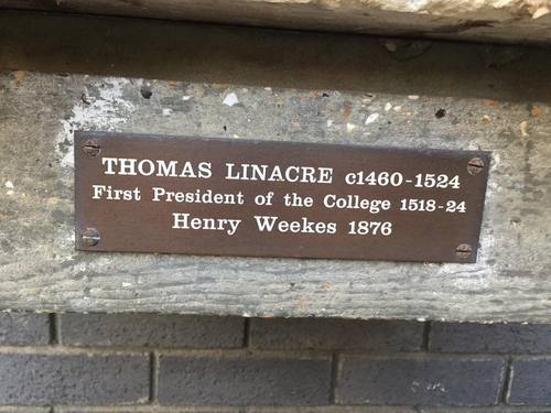 Thomas%20Linacre%27s%20bust%2C%20RCPL%2C%20London%20%28by%20Adrian%20Thomas%29%20%282%29.jpg