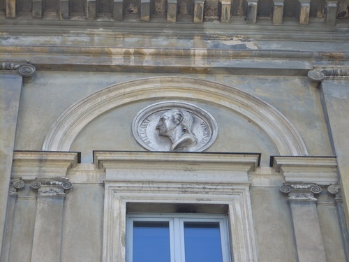 Vincenzo%20Malacarne%20s%20bas-relief%2C%20Old%20Ospedale%20Maggiore%2C%20Vercelli.%20Italy%20-%2001.JPG