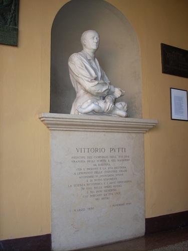 Vittorio%20Putti%27s%20monument%2C%20Istituto%20Ortopedico%20Rizzoli%2C%20Bologna%20%282%29.JPG