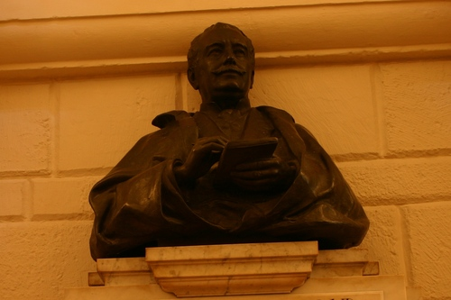 William%20Howard%20Russell%27s%20monument%2C%20St%20Paul%27s%20Cathedral%2C%20London%20-%2003.JPG