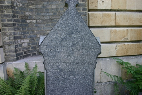 William%20Rutherford%27s%20tomb%2C%20Brompton%20Cemetery%2C%20London%20-%2003.JPG
